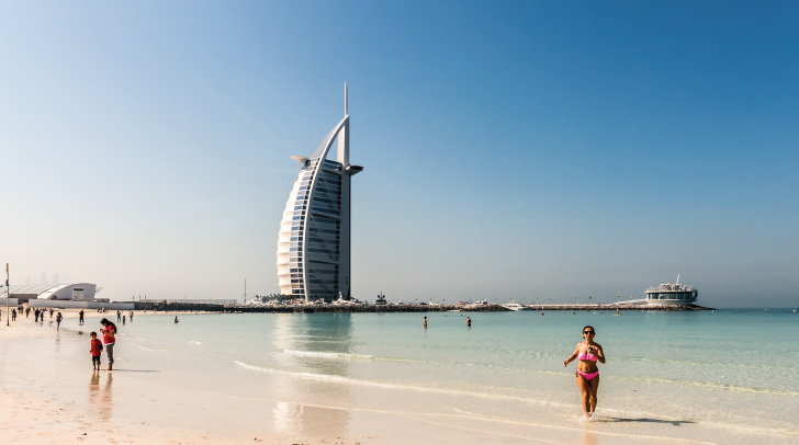 Sunset Jumeirah Beach Is The City S Most Por Surfing Destination With Good Wave Sets And Pro Hiring Surfboards Sup Kayaks Burj Al